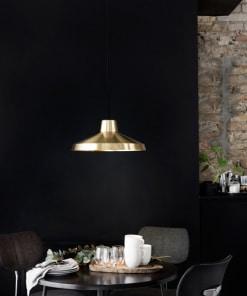 Lubinis pakabinamas šviestuvas EVERGREEN restorane