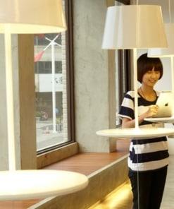 Lubinis pakabinamas šviestuvas staliukas ILLUSION