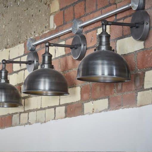 Alavo spalvos kupolo formos sieninis šviestuvas BROOKLYN interjere