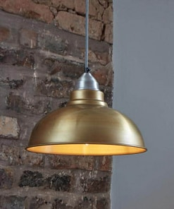 Žalvario spalvos lubinis pakabinamas šviestuvas OLD FACTORY interjere