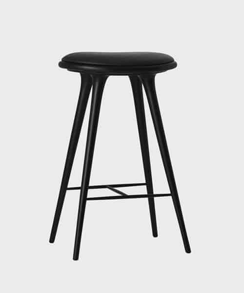 Juodos spalvos aukšta kėdė MATER pagaminta iš buko, 74 cm