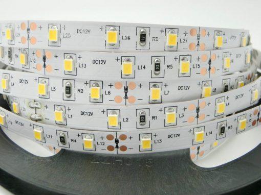 Nehermetiška LED juosta 11W/m šviesos spalva 6000K (šaltai balta)
