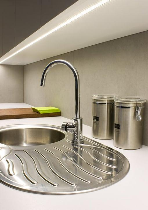 Aliuminio LED profilis KLUS MICRO virtuvėje