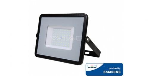 50W atsparus vandeniui LED prožektorius V-TAC su Samsung LED chip (juodas