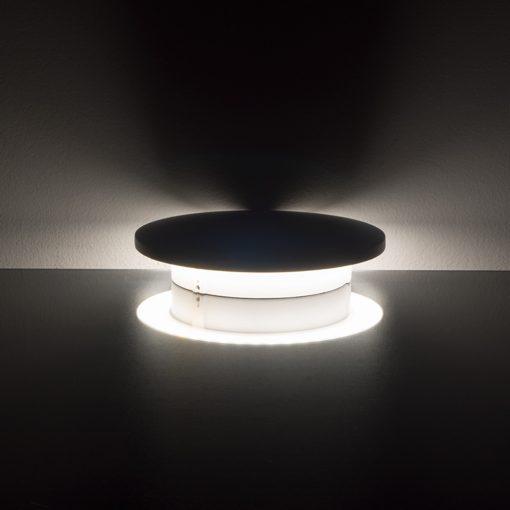 6W atspari vandeniui apvali sieninė lempa su aliuminio korpusu (įjungta)