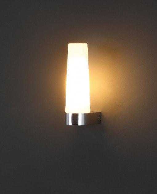 Sieninis šviestuvas vonios kambariui BADIA I