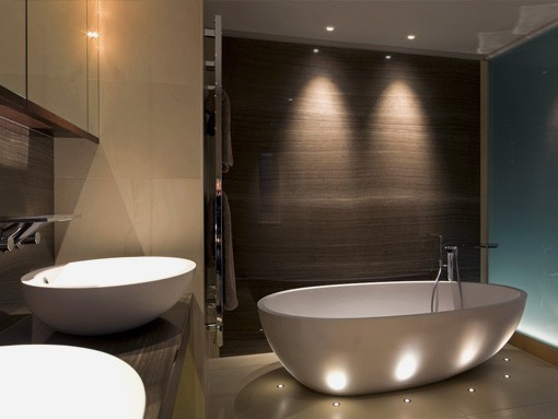 vonios šviestuvai