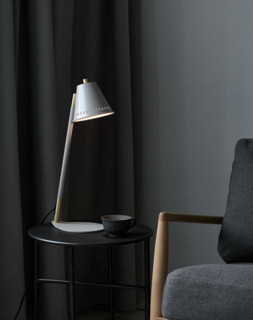 Stalo šviestuvas su perforuotu gaubteliu NORDLUX PINE